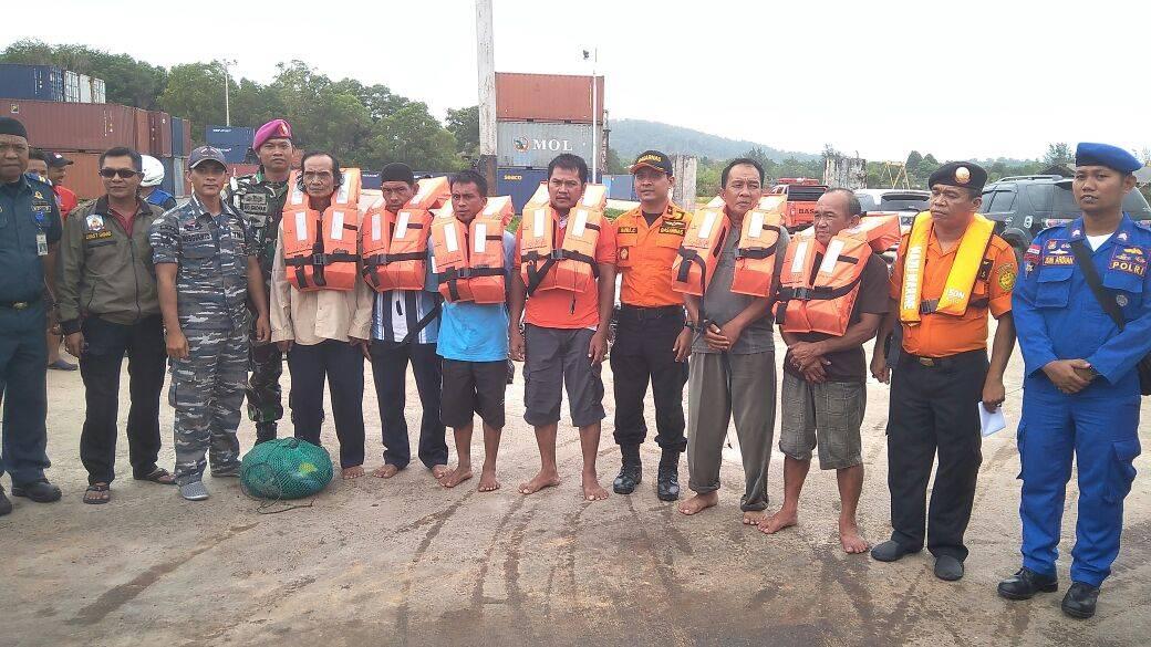 Kapal bawa sembako tujuan Anambas tenggelam, enam orang kru berhasil selamat