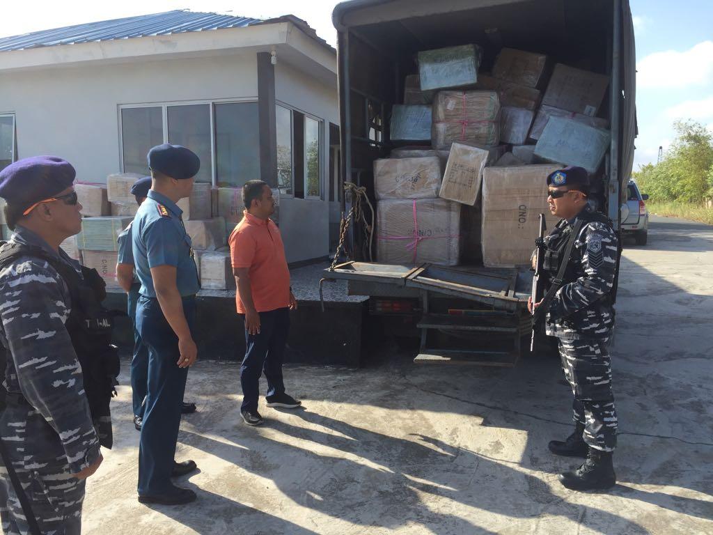 WFQR IV Lanal Batam Tangkap Speedboat Bawa Ratusan Dus Barang Illegal
