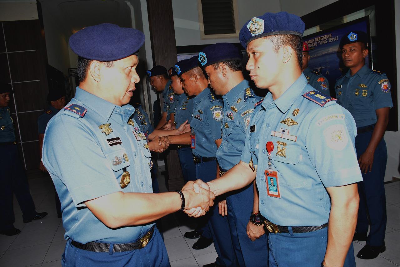Danlantamal IV Terima Laporan Kenaikan Pangkat 9 Perwira