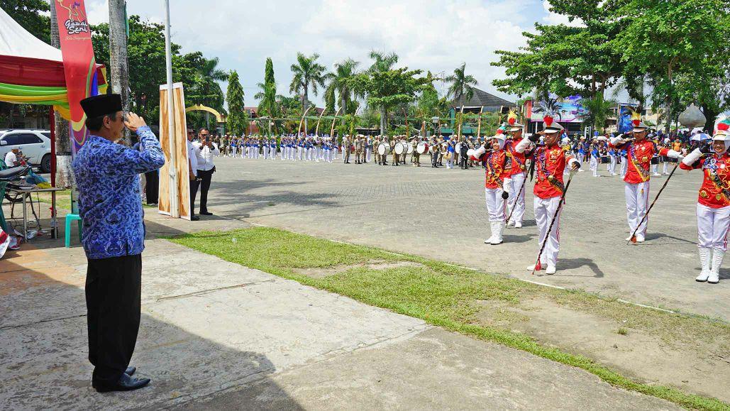 Atraksi drumband IPDN memukau warga Tanjungpinang