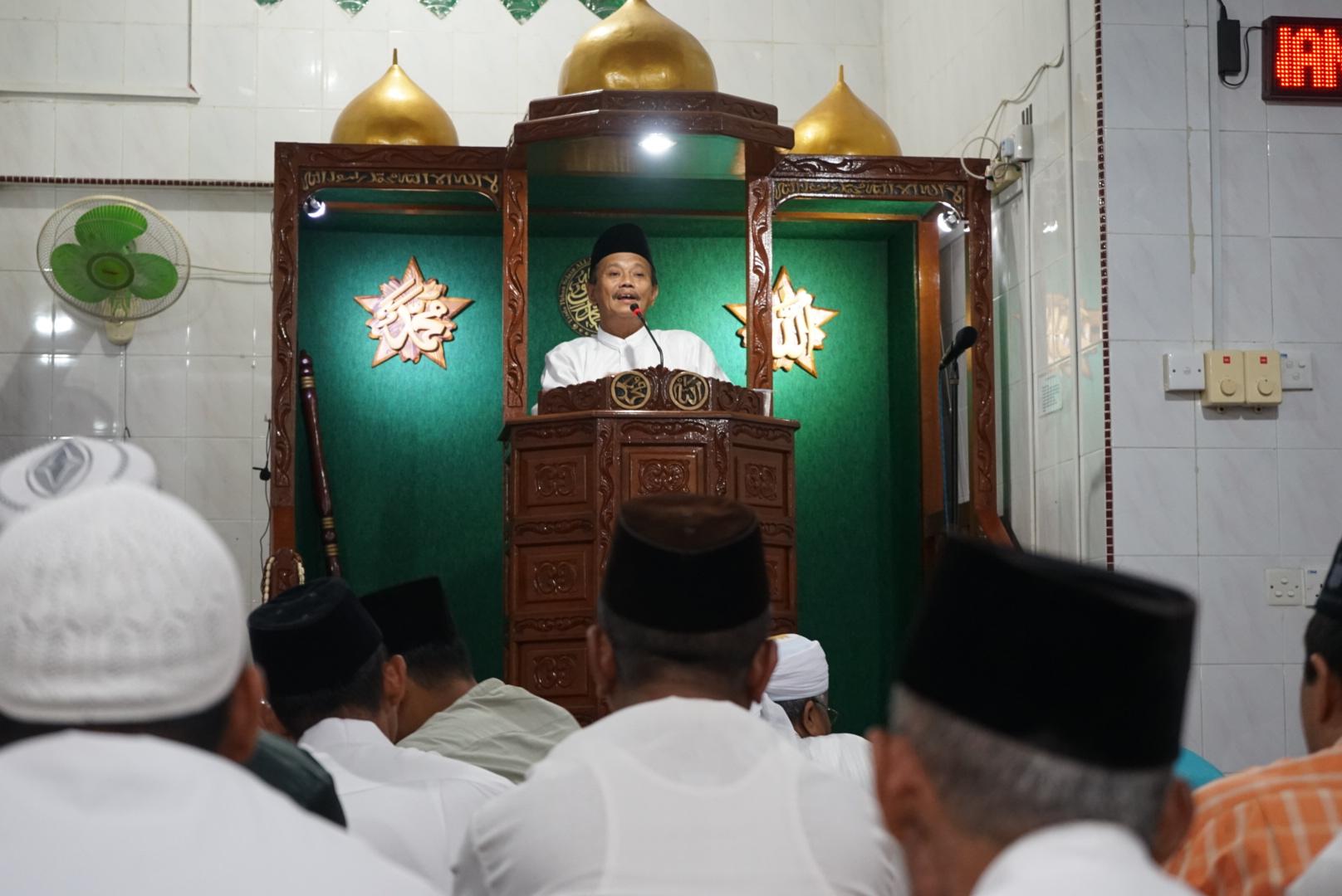 Pj Walikota Tanjungpinang Buka Puasa Bersama di Masjid Besar Al Azhar