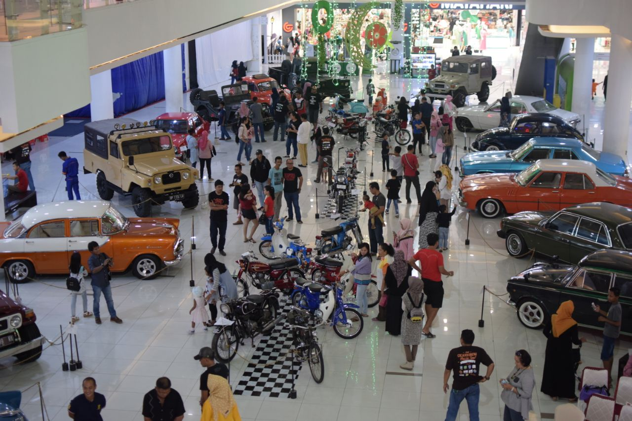 Cicakkobeng gelar pameran mobil dan motor antik