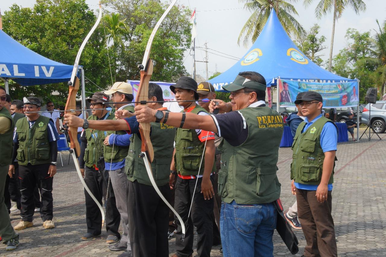 Danlantamal IV Buka Kompetisi Panahan se Pulau Bintan
