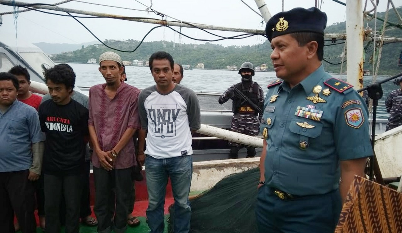 Lantamal IV Tangkap Kapal Illegal Muat Ratusan Kilogram Ikan Hiu