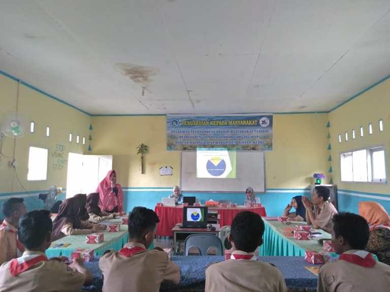 Dosen Teknik UMRAH Gelar Pelatihan Technoprenuership Masyarakat Pesisir