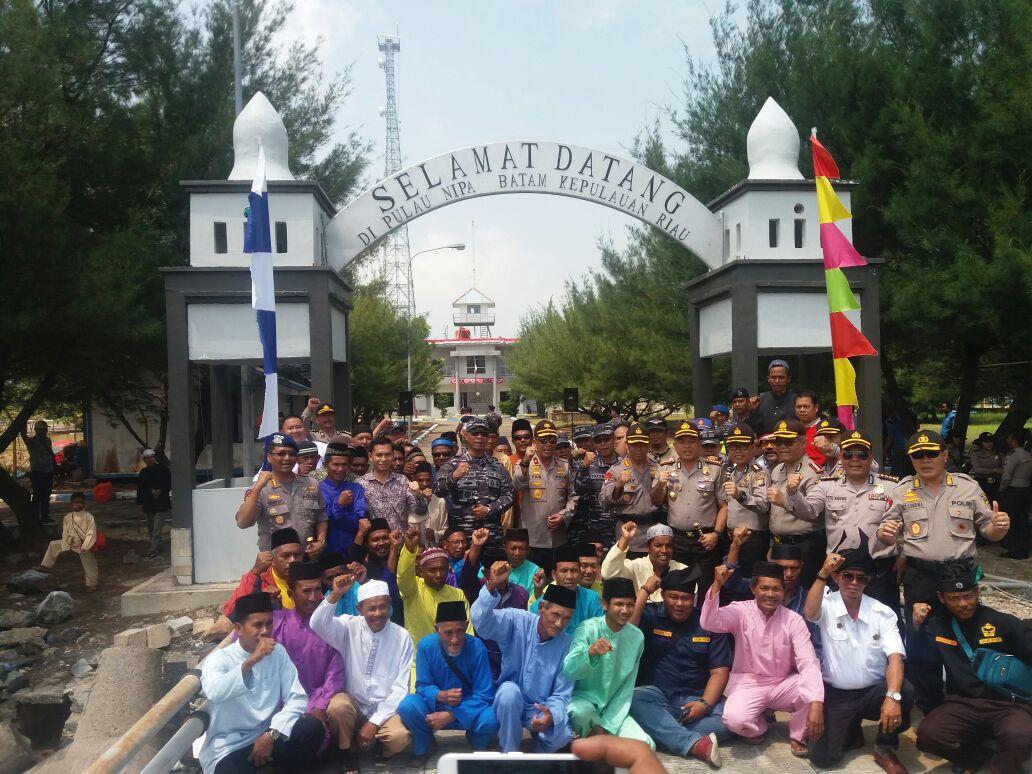 Wakapolda Kepri Apresiasi Anggota TNI AL Yang Menjaga Pulau Nipah