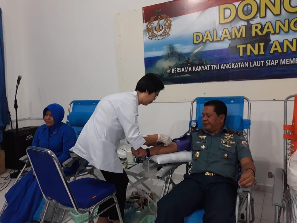 Peringati Hari jadi ke 73 TNI AL, Danlatamal IV Donor Darah