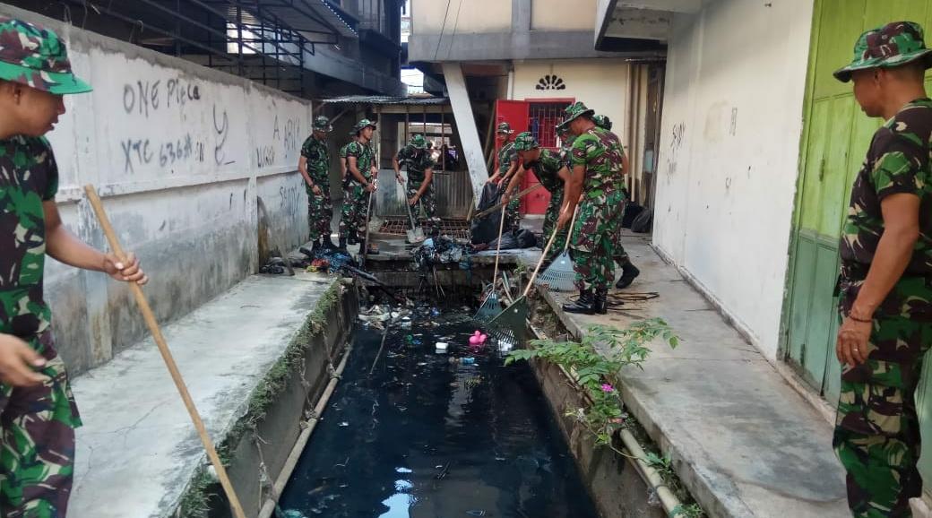 TNI-Polri dan Masyarakat Laksanakan Karya Bakti Dalam Rangka HUT TNI ke 73