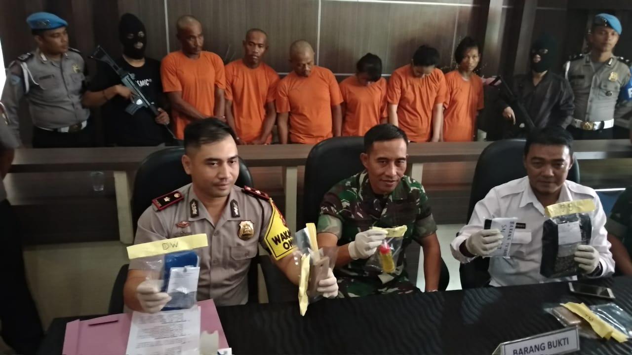 Kodim Bintan Tangkap 3 Pasang Pria dan Wanita Sedang Pesta Sabu-Sabu