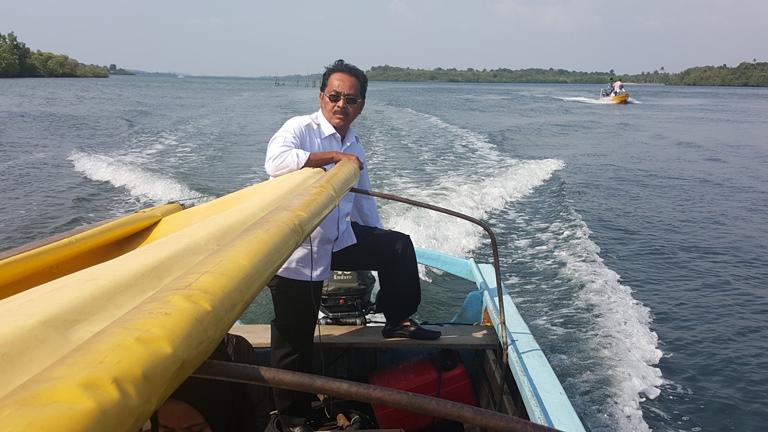 Ke Pulau Kepala Jeri, Gubernur Jadi Tekong Telusuri Sungai