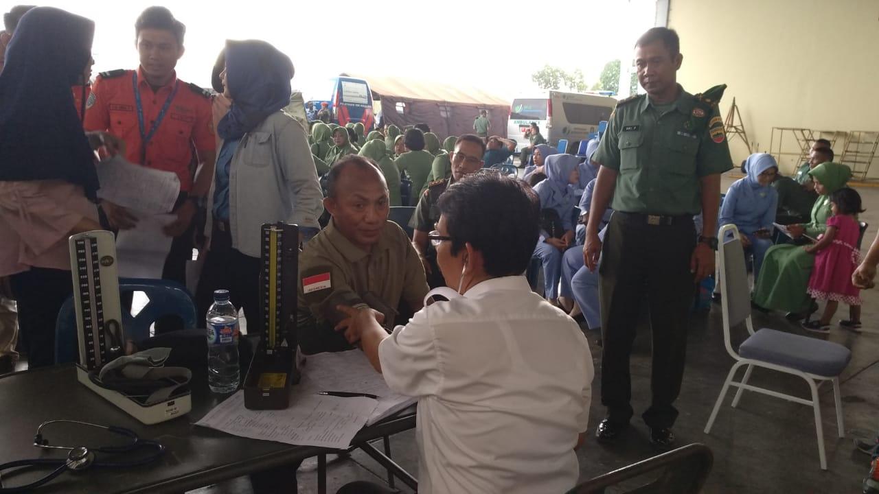 Brigjen TNI Gabriel Lema Donor Darah di HUT TNI Ke 73