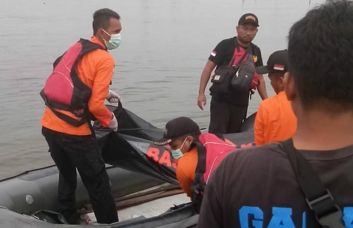 Bapak Anak Yang Tenggelam di Dam Tembesi Ditemukan Tewas Berpelukan