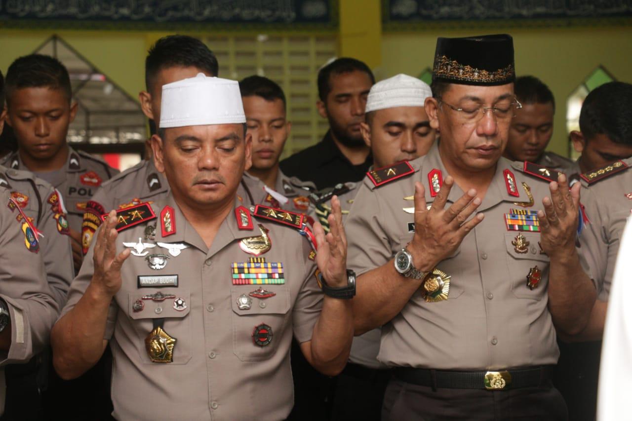 Polda Kepri Sholat Ghoib Doakan Korban Pesawat Lion Air