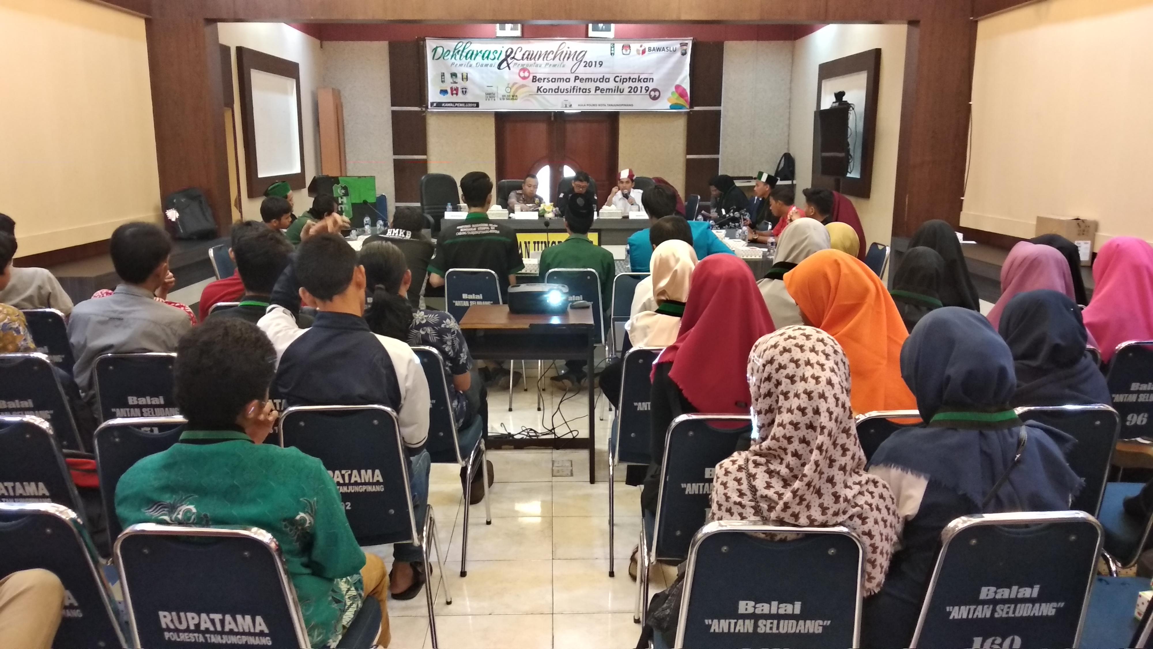 Dialog Pemilu Damai, Pemuda Diharapkan Tolak Politik Uang