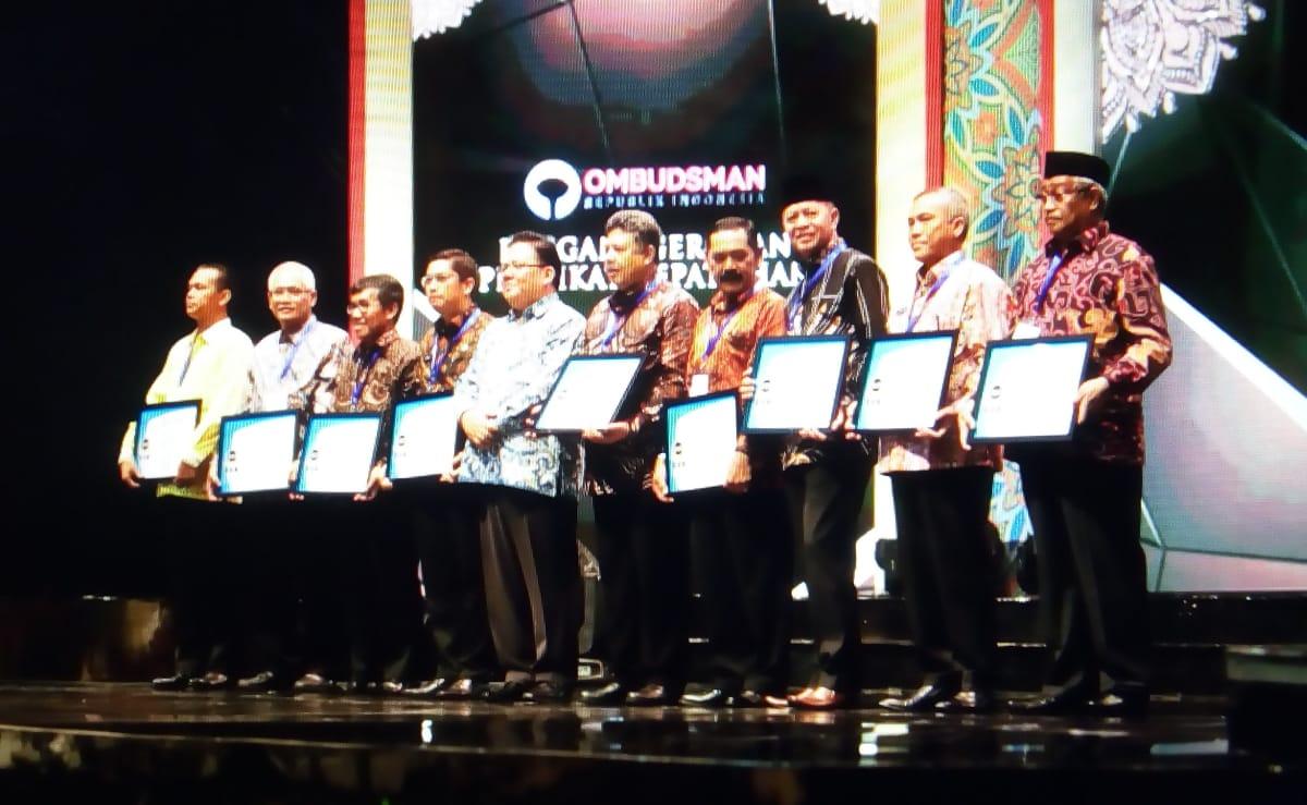 Kualitas Pelayanan Tanjungpinang Terbaik, Pemko Tanjungpinang Terima Penghargaan Predikat Kepatuhan Dari Ombusmand