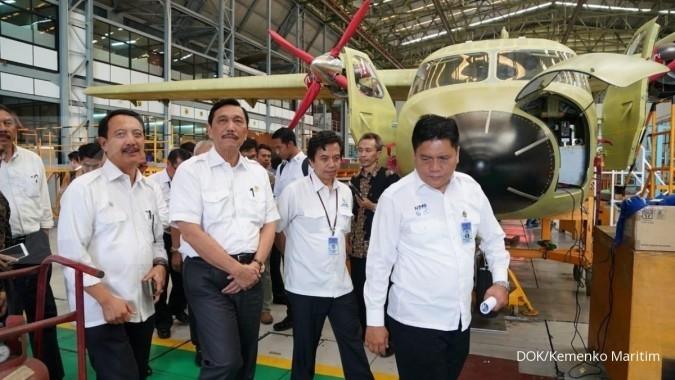 Menko Luhut tinjau pabrik pesawat Dirgantara Indonesia