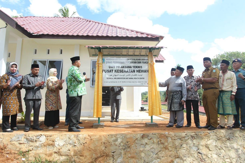 Bupati Resmikan Gedung Kantor UPT Pusat Kesehatan Hewan Di Desa Langir