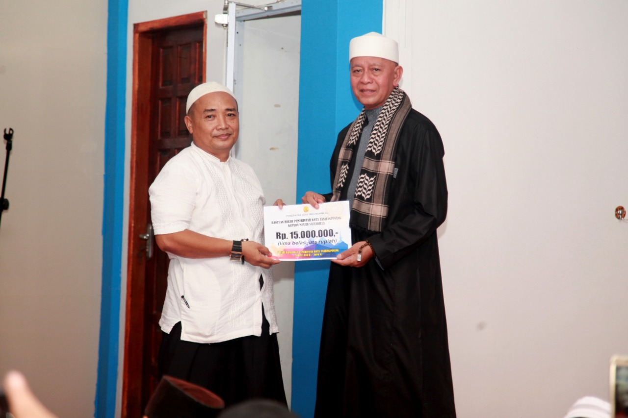 Safari Ramadhan di Masjid Sal-sabila, Pemko serahkan Bantuan Rp. 15 Juta