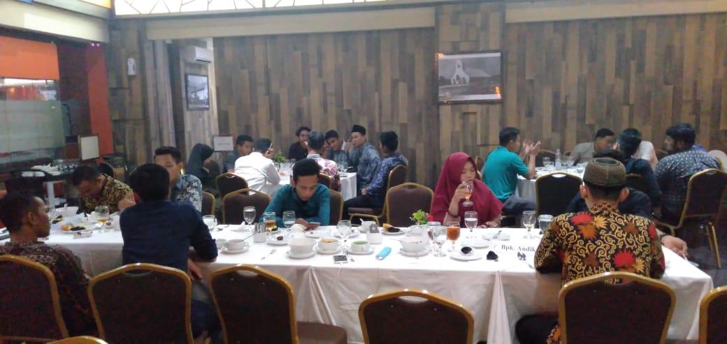 PT Sumatra Riang Lestari Gelar Buka Bersama dan Silaturahmi dengan Mahasiswa Riau