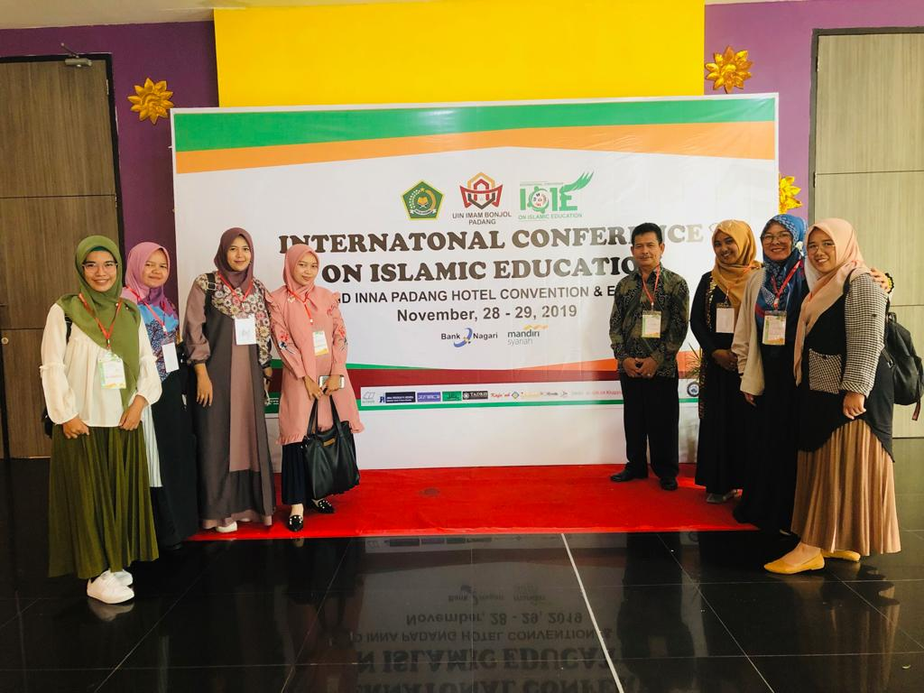 PUBLIKASI ILMIAH MAHASISWA S2 PSIKOLOGI UIN SUSKA DI AJANG INTERNASIONAL (INTERNATIONAL CONFERENCE ON ISLAMIC EDUCATION)