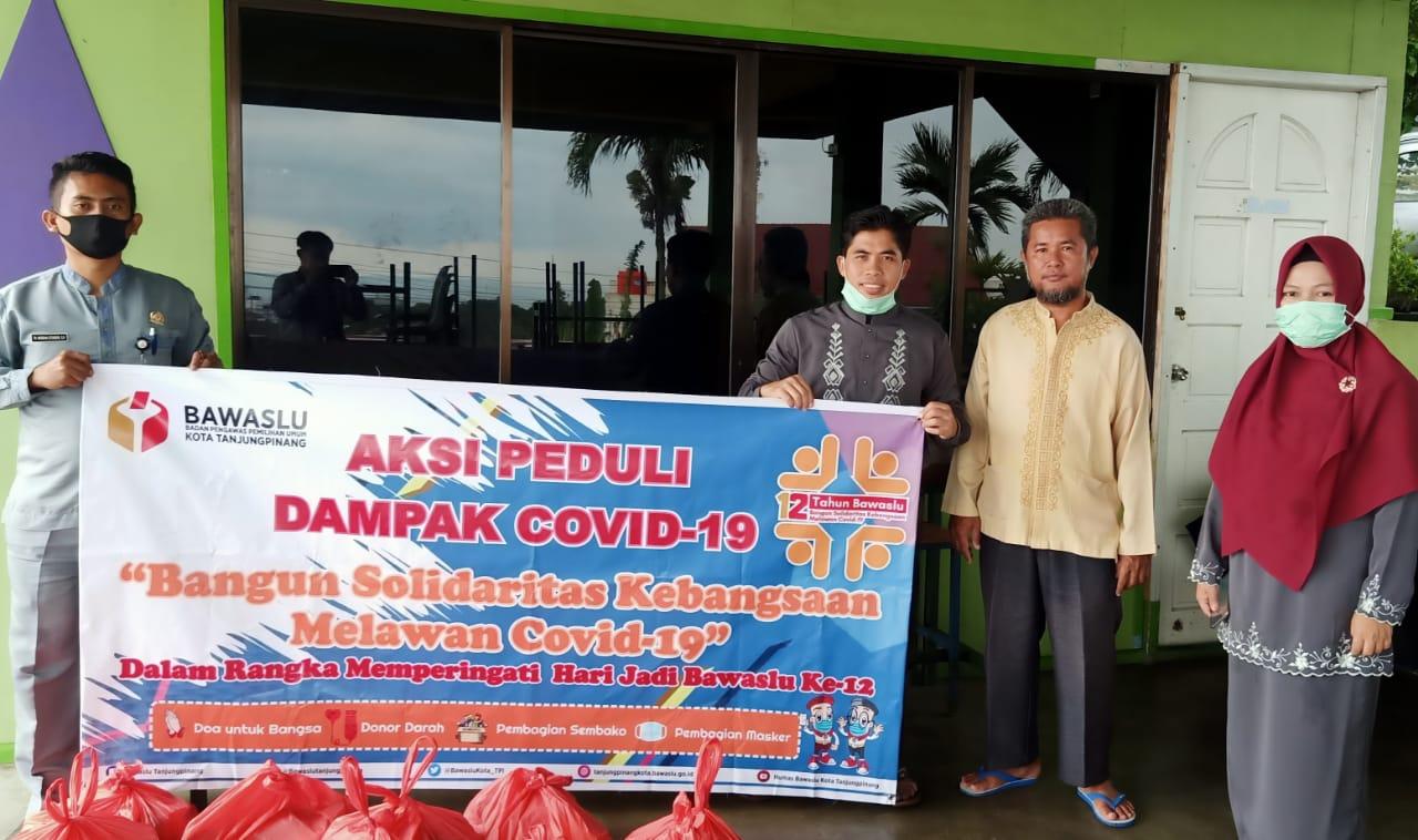 Bawaslu Kota Tanjungpinang Gelar Aksi Solidaritas Dampak Covid-19, Sempena Hari Jadi 12 Tahun Bawaslu