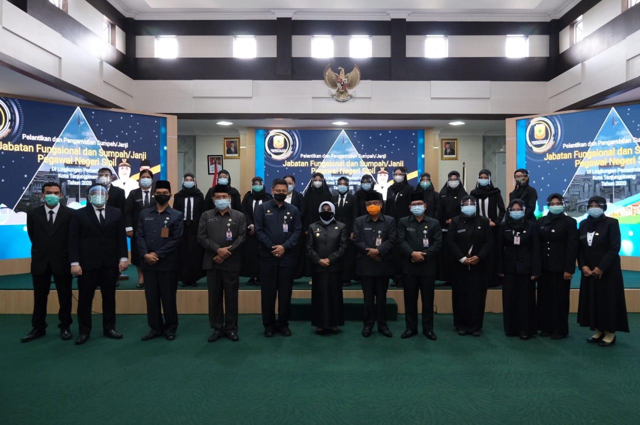 Lantik 56 Pejabat Fungsional, Rahma Ajak ASN Bekerja Profesional
