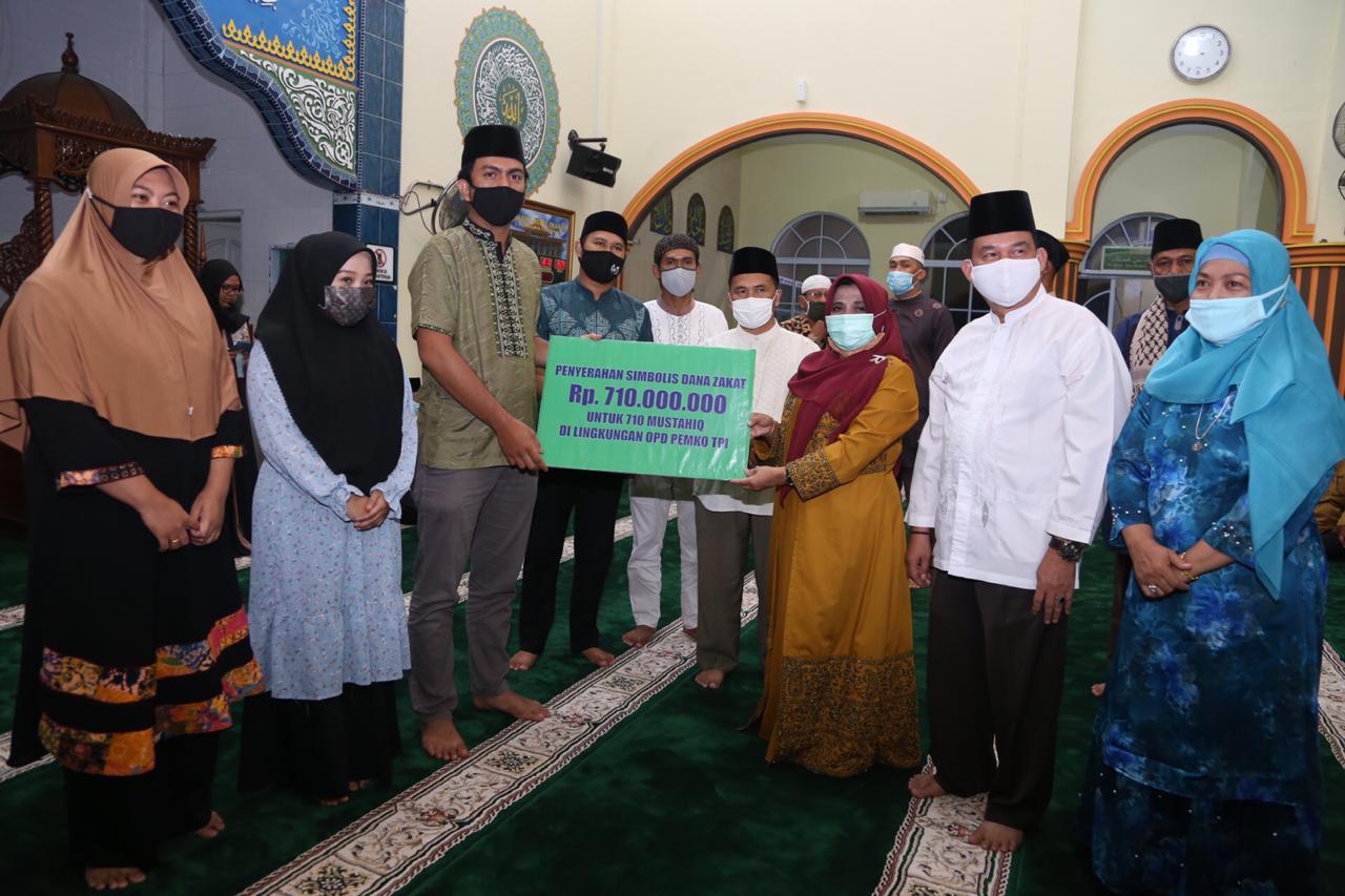Walikota Serahkan Hibah Lahan untuk Masjid Nurul Iman