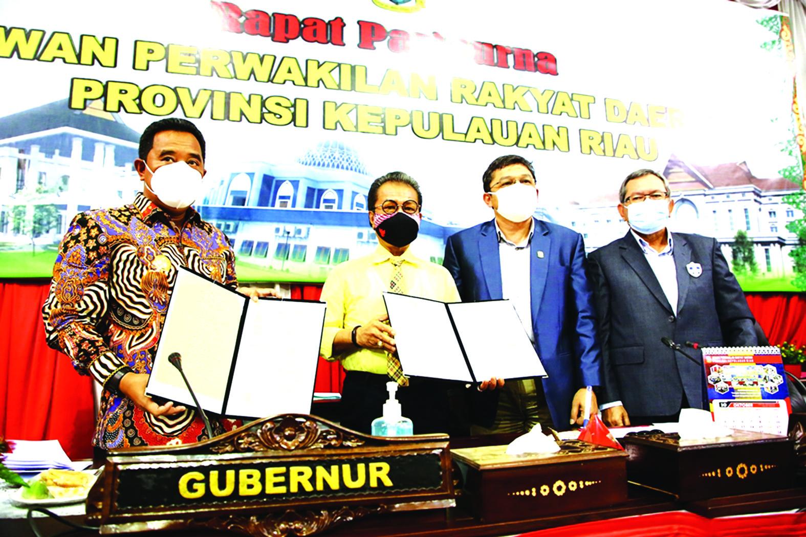 DPRD Kepri dan Pemprov Kepri Tandatangan Nota Kesepakatan Bersama KUA PPAS TA 2021