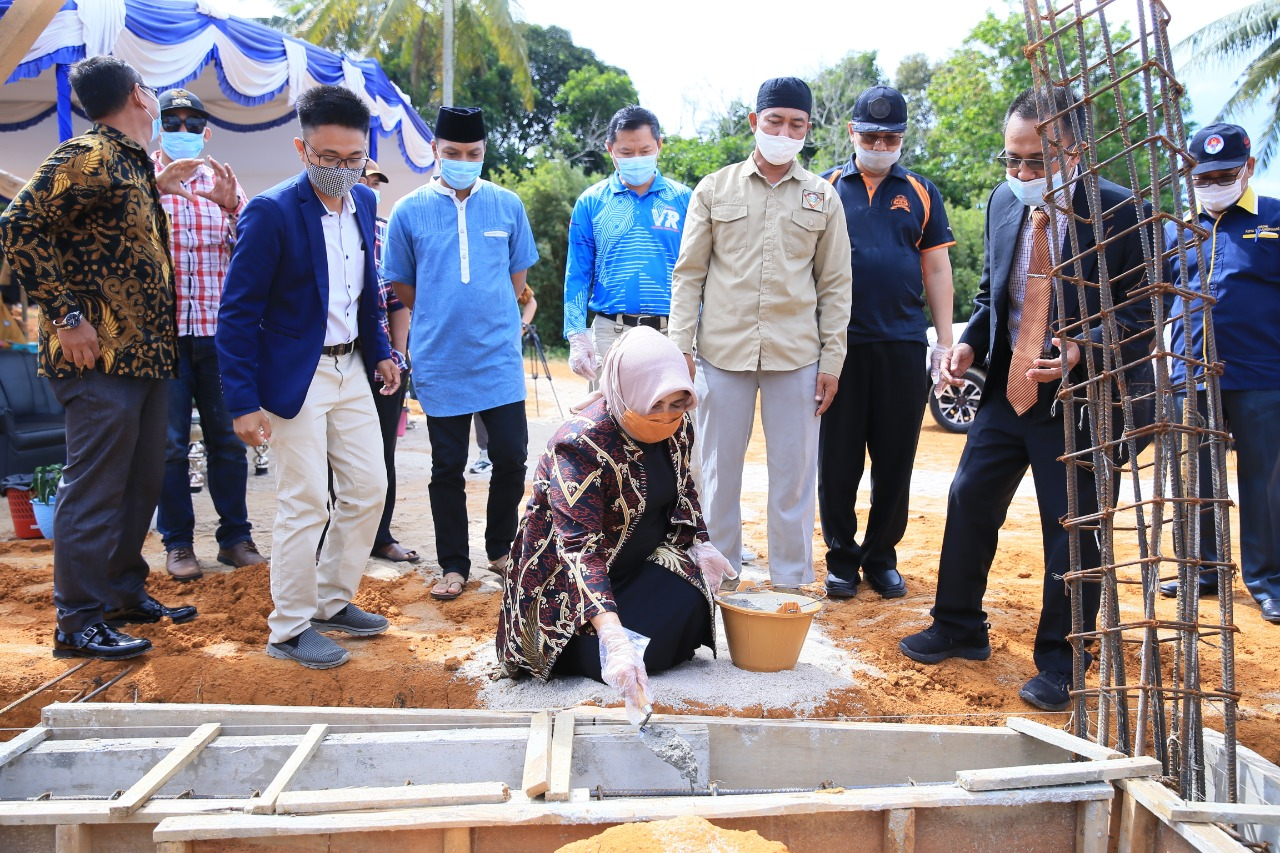 Walikota Lakukan Peletakan Batu Pertama Pembangunan Gedung Sekolah Karakter SD Islam Al-Faatih