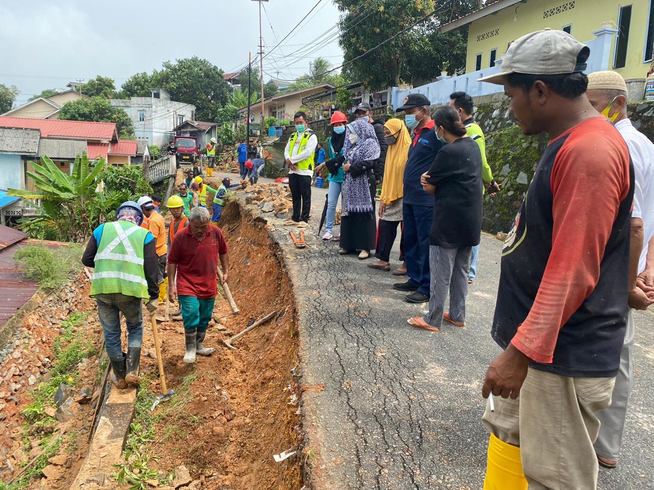 Pasca Banjir dan Longsor, Rahma Kembali Tinjau Lokasi dan Beri Bantuan