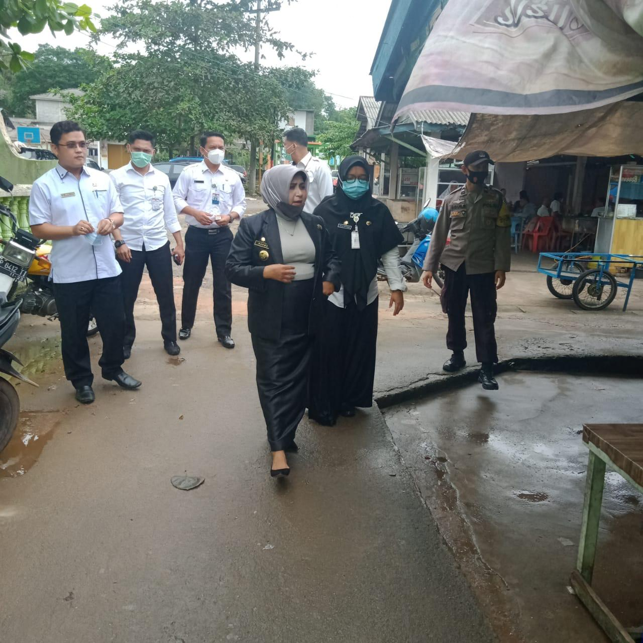 Banjir Rob Akibat Air Laut Pasang, Walikota Langsung Temui Warga Senggarang