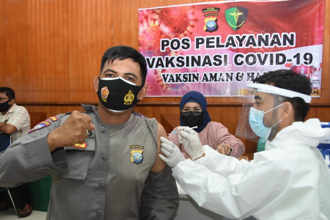Polres Tanjungpinang Terima Vaksinasi Covid-19