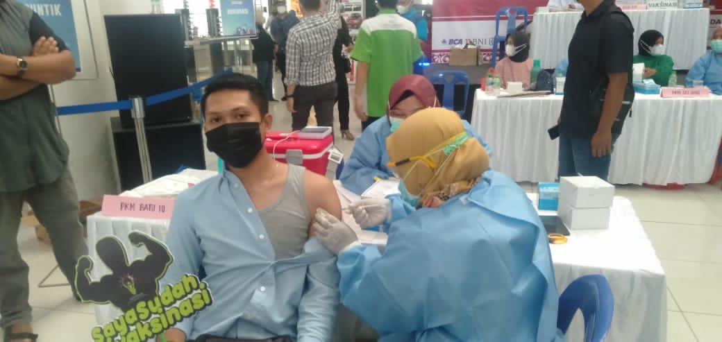 Wali Kota Tanjungpinang Pantau Vaksinasi Perbankan dan Pelaku Pariwisata