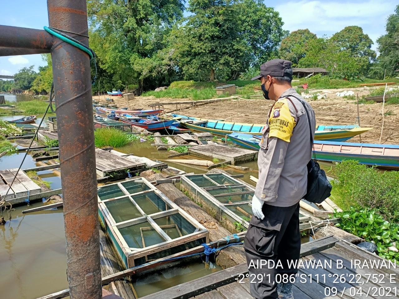 Bhabinkamtibmas Desa Rungun Sambangi Nelayan Perikanan Darat