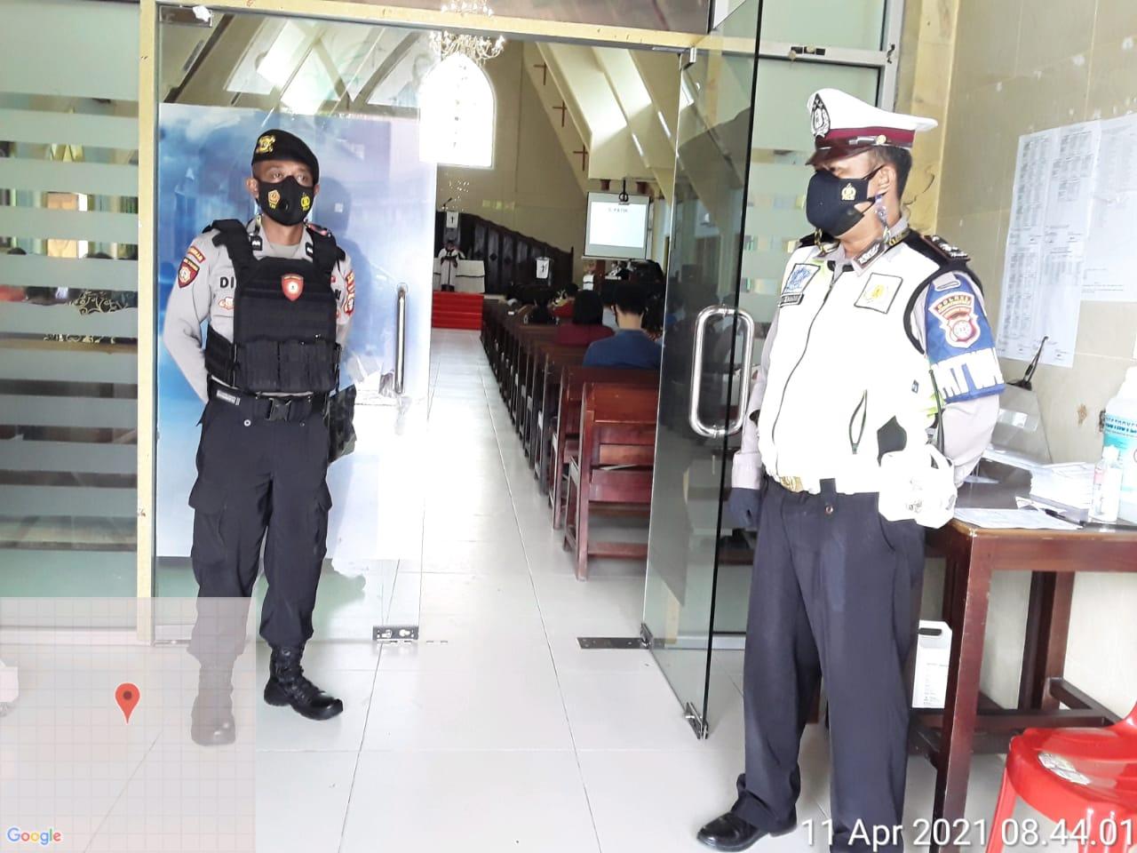 Jaga Keamanan, Satlantas Polres Kobar Patroli di Gereja