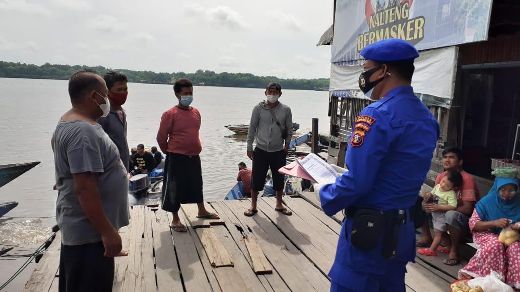Imbauan kepada penyedia Jasa penyeberangan di DAS Kumai Oleh Anggota Satpolairud Polres Kobar