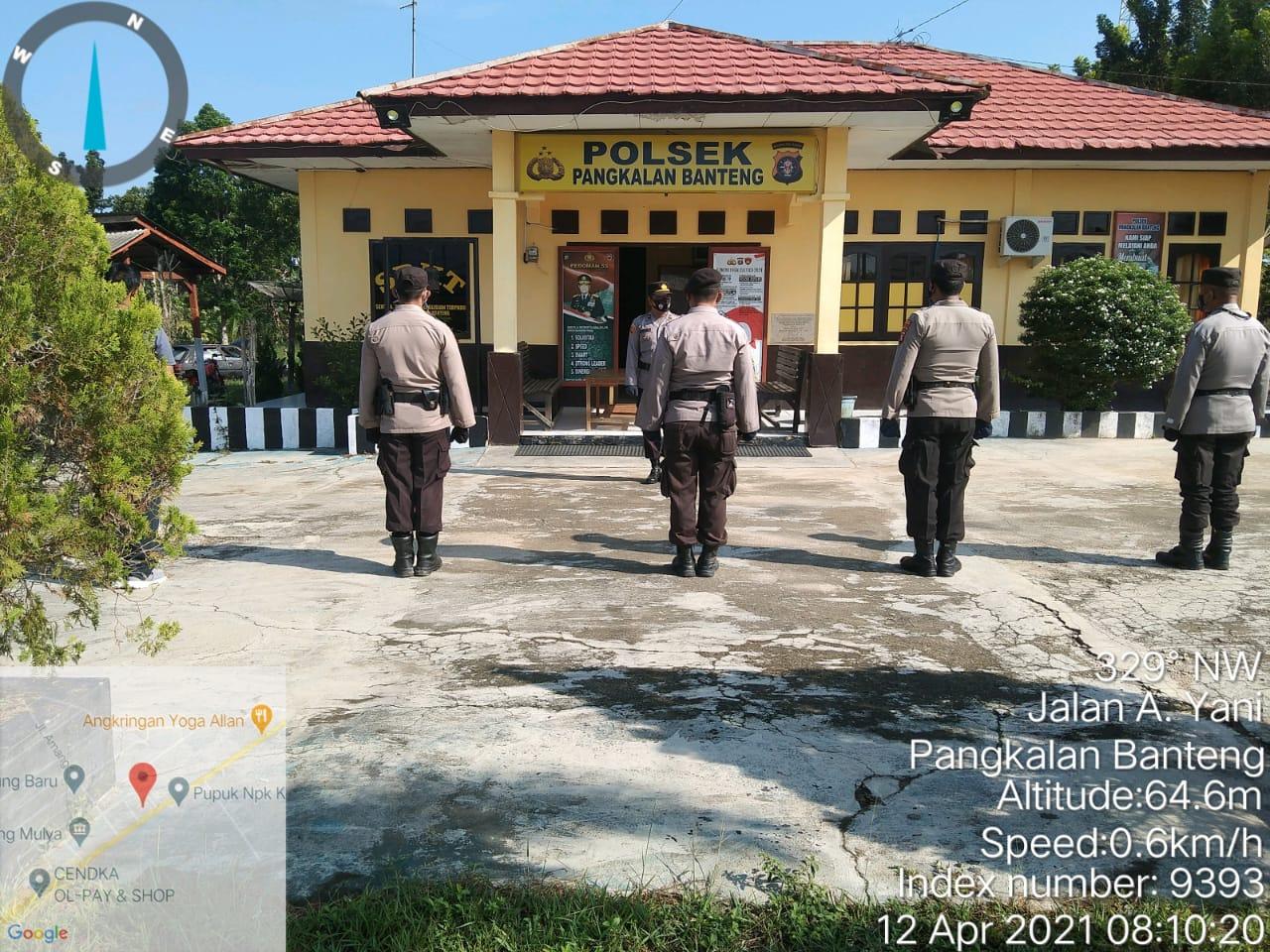 Apel Pagi selesai anggota Polsek Pangkalan banteng olahraga bersama di halaman Mako Polsek Pangkalan Banteng