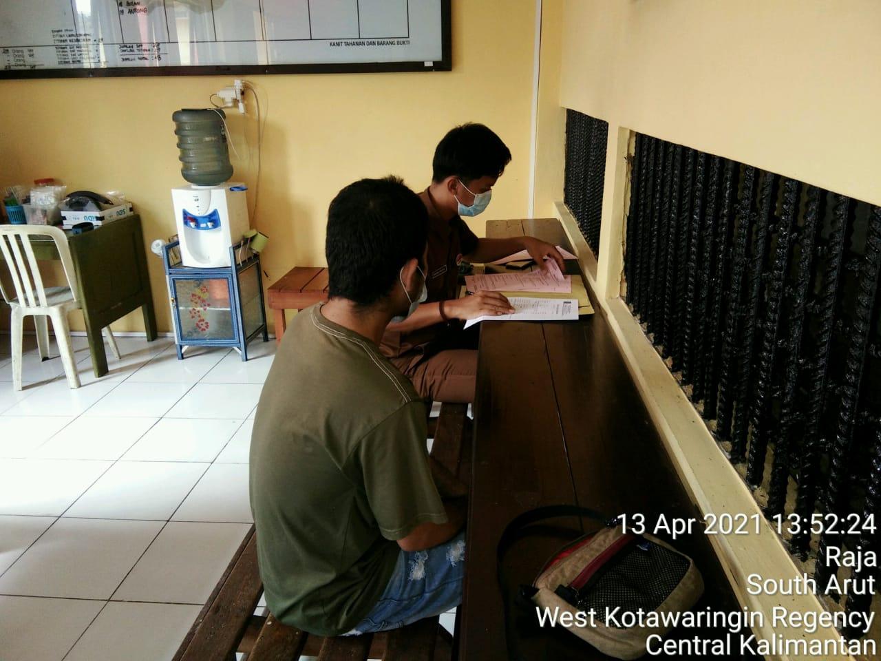 Penyerahan tersangka dan barang Bukti tahanan Polres Kotawaring Barat