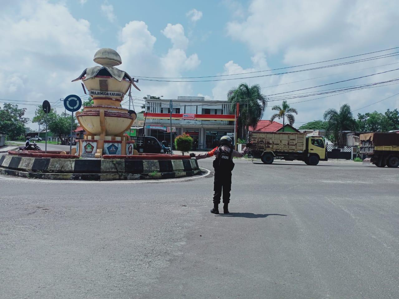 Patroli Satsabhara Juga Laksanakan Pengaturan
