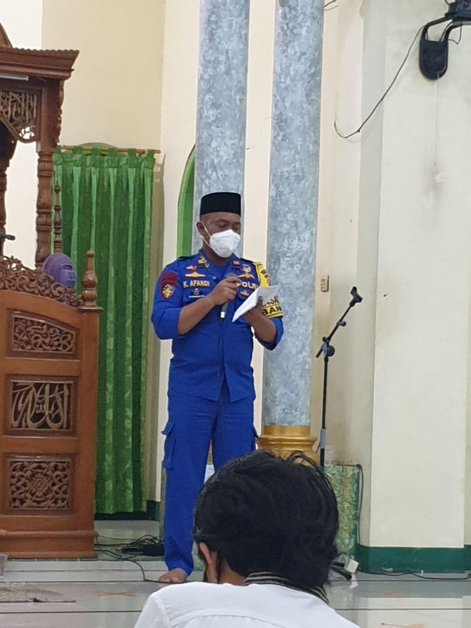 Kasatpoliarud Polres Kobar Laksanakan PAM Tarawih Di Masjid Al Fajar
