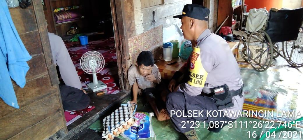 Jumat berkah merupakan kegiatan yang di lakukan oleh personil Polsek Kolam