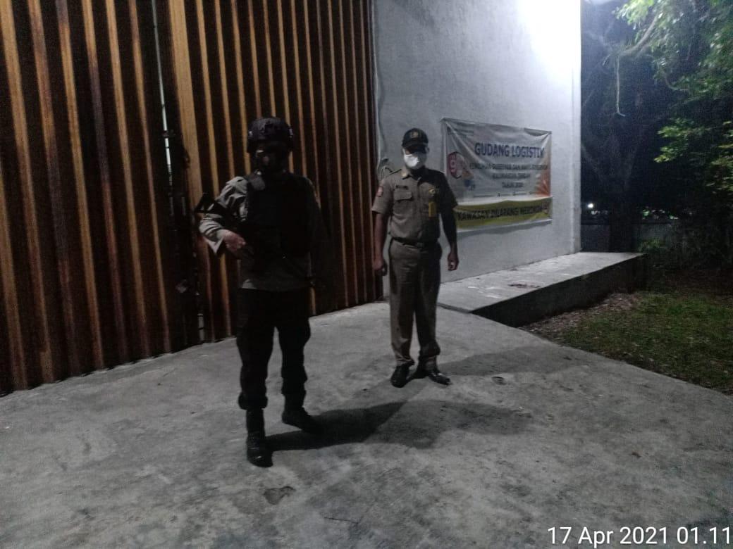 Anggota pos PAM KPU Laksanakan Patroli