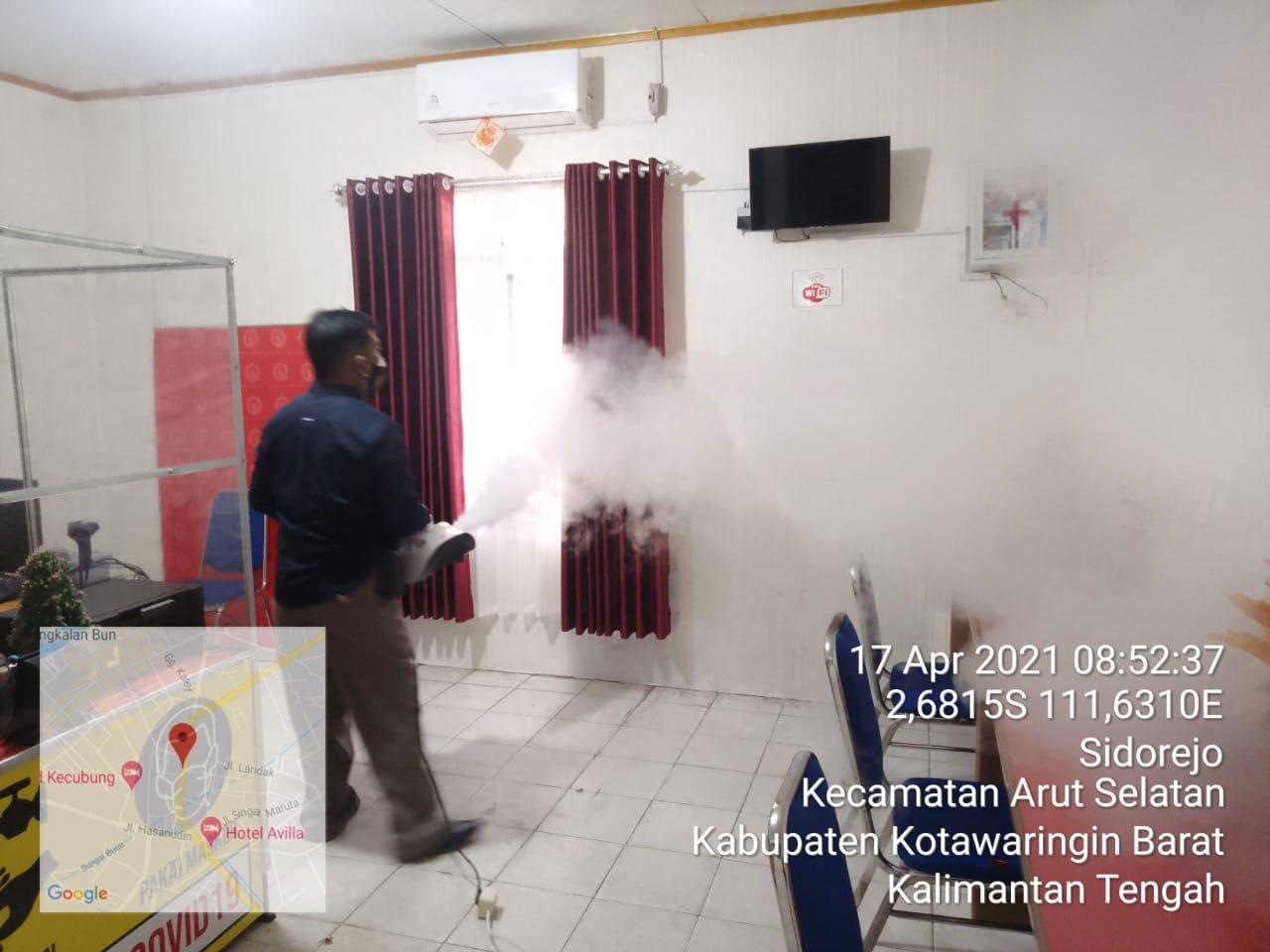 Satintelkam Polres Kobar laksanakan Foging Desinfektan di Ruang Pelayanan SKCK