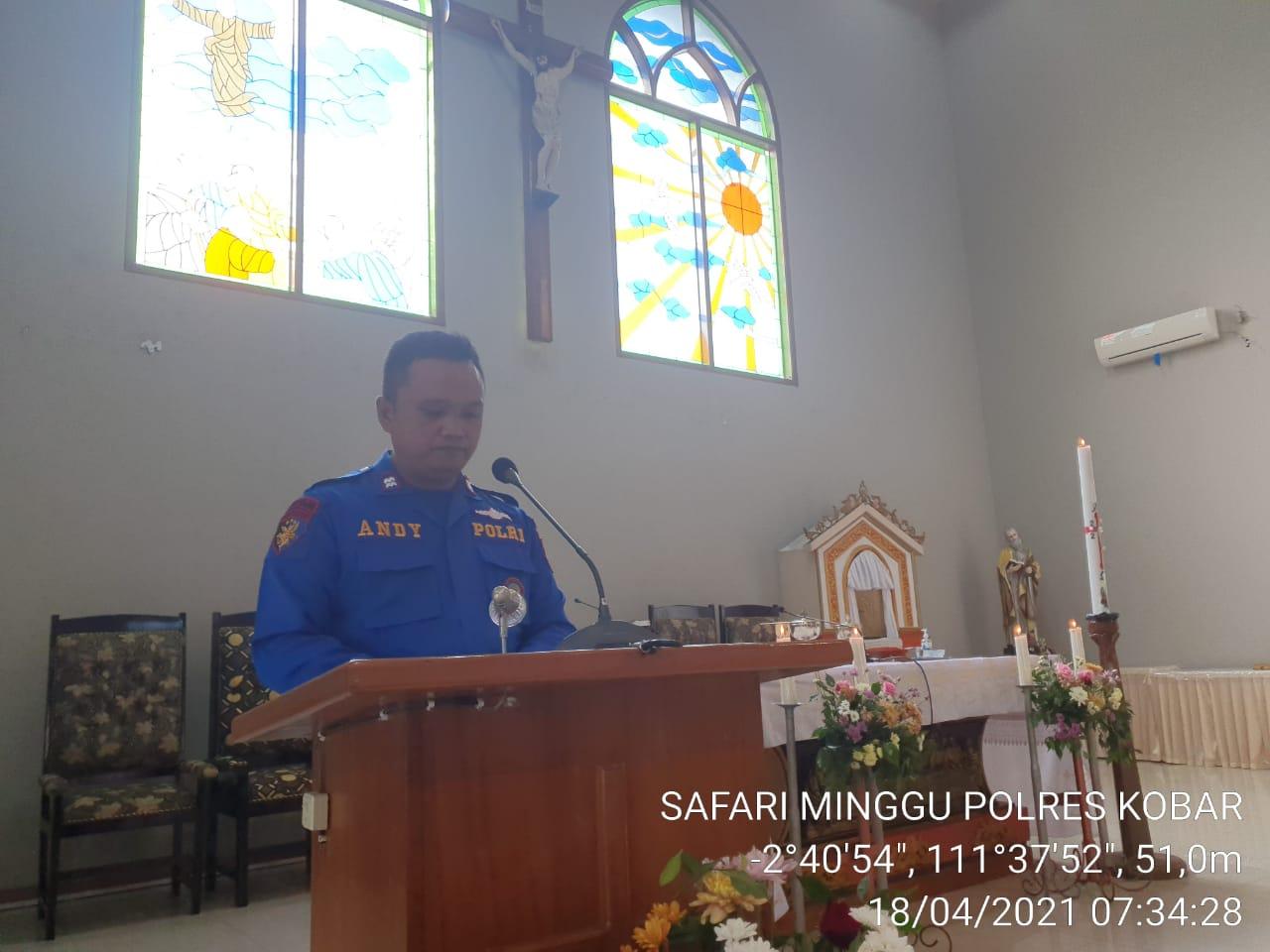 Personel Satpolairud Polres Kobar Berikan Imbauan Prokes dan Kamtibmas Di Gereja Katolik Santo Paulus
