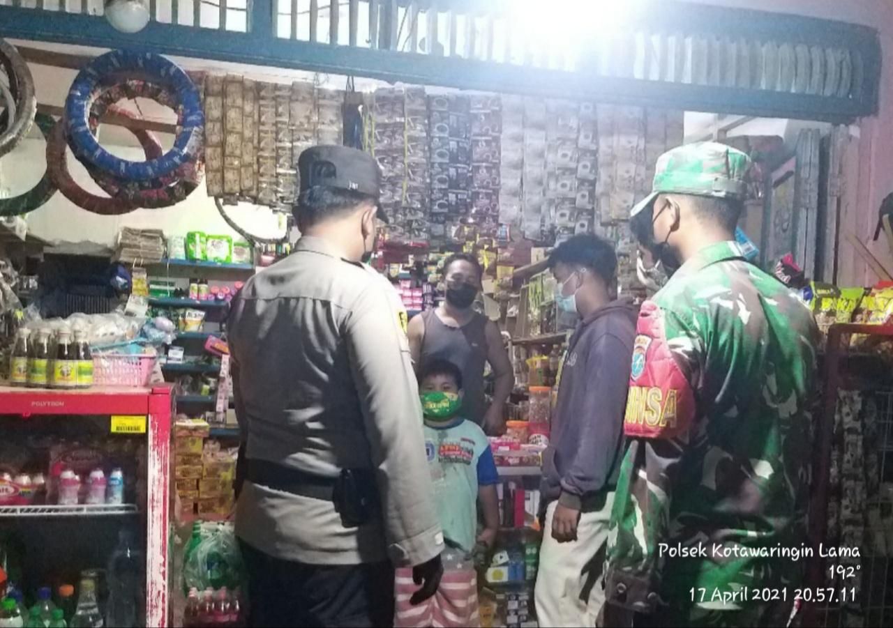 PPKM Kelurahan Kotawaringin Hilir melaksanakan himbauan untuk menaati protokol