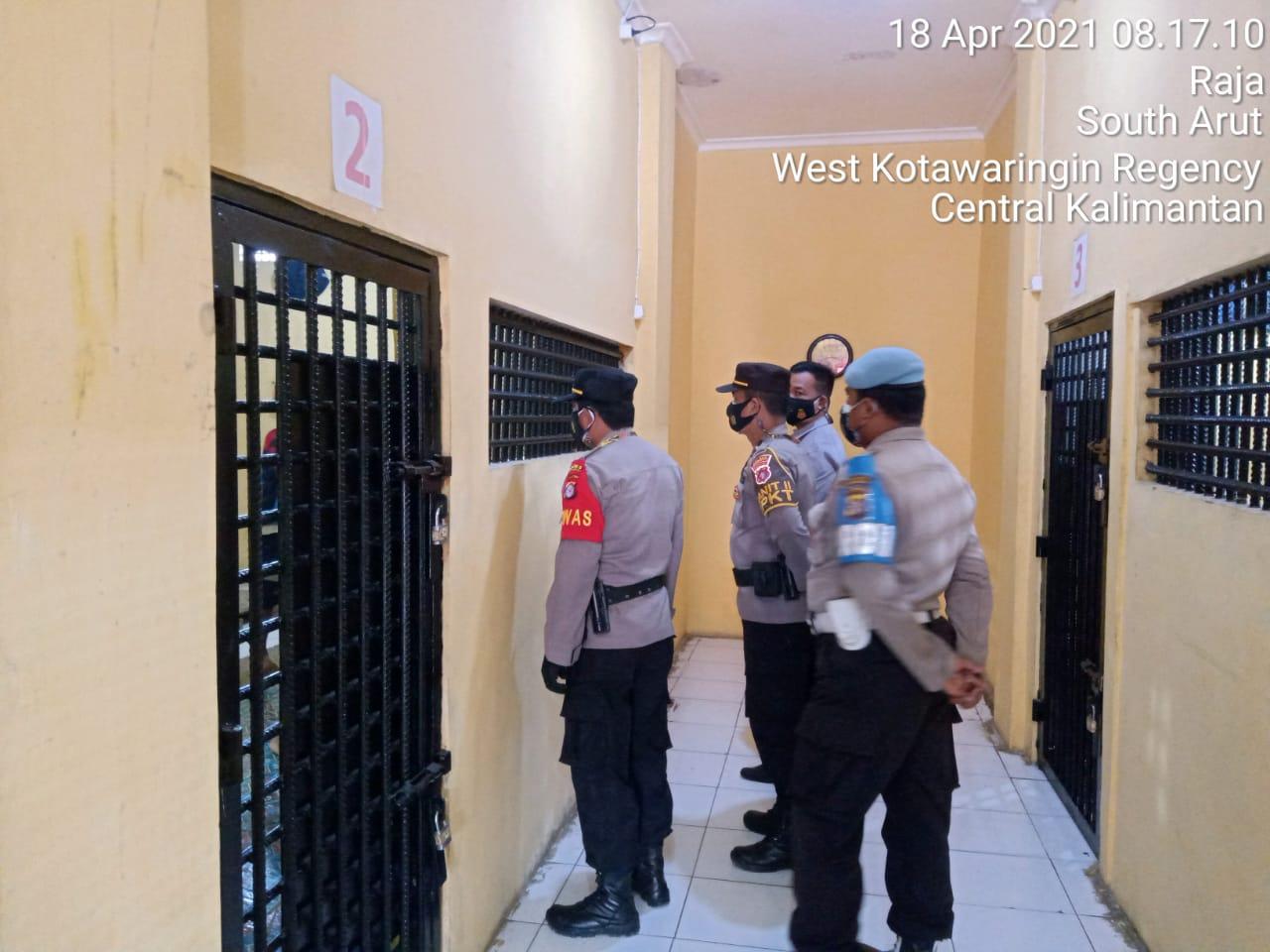SPKT Beserta Piket Fungsi Lakukan Cek dan Kontrol Ruang Tahanan