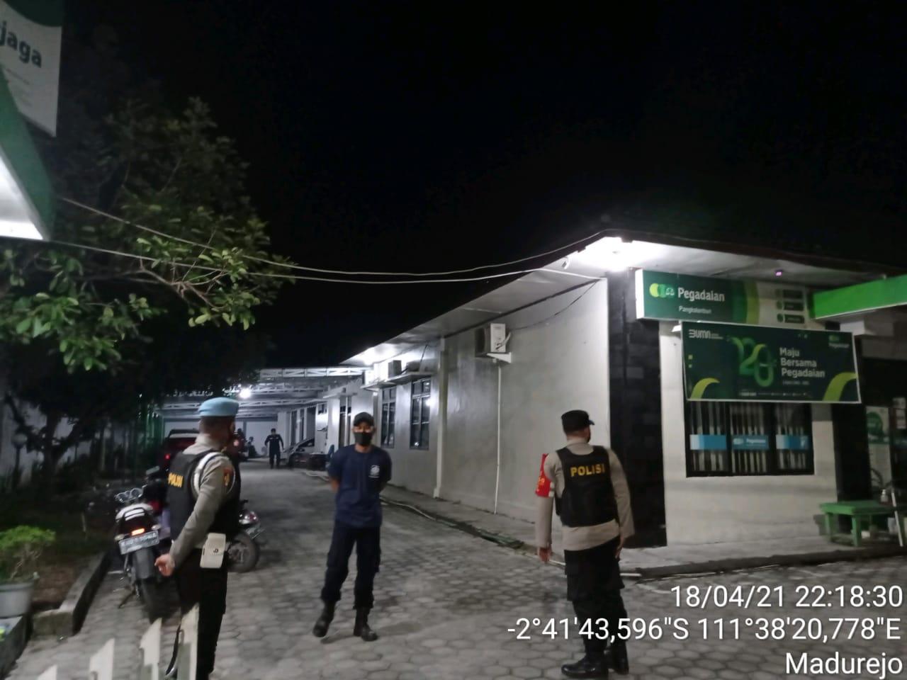 Patroli Ke Objek Vital Seputaran Kota di malam hari