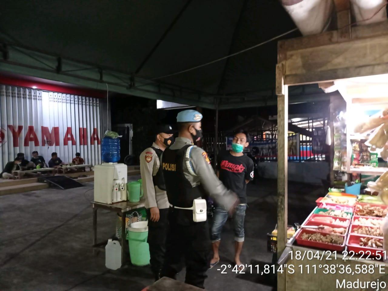 Polsek Arsel Rutin Patroli Ke Tempat Objek Vital Seputaran Kota