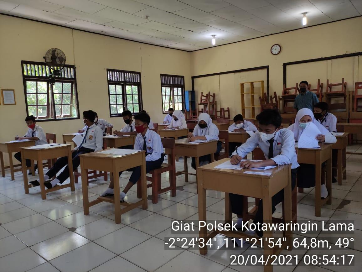Hari ke 2 pelaksanaan ujian di sekolah diamankan Polisi