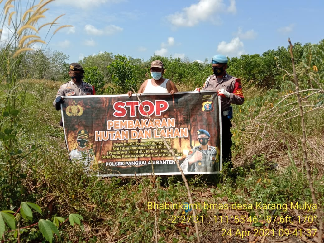 TNI-POLRI lakukan Sosialisasi Kepada Warga Tentang Larangan Stop Bakar Hutan